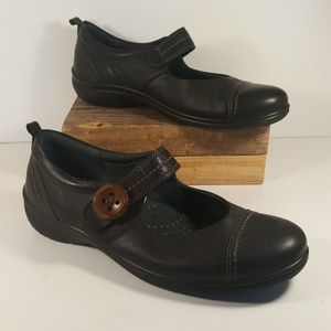 d58168aa1bba Ecco Shoes - 🍁 Ecco Clay Button Strap Black Mary Janes 39